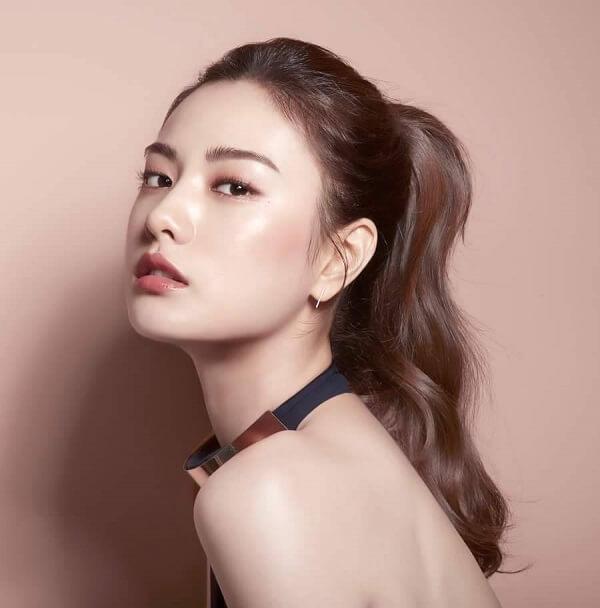 Nana (After School) luôn được mệnh danh là biểu tượng sắc đẹp mới của K pop với bờ môi mỏng căng mịn