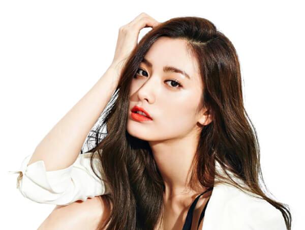 Nana (After School) luôn được mệnh danh là biểu tượng sắc đẹp mới của K pop với bờ môi mỏng căng mịn - Ảnh 1