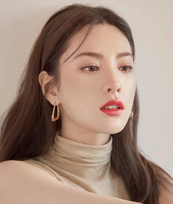 Nana (After School) luôn được mệnh danh là biểu tượng sắc đẹp mới của K pop với bờ môi mỏng căng mịn - Ảnh 4