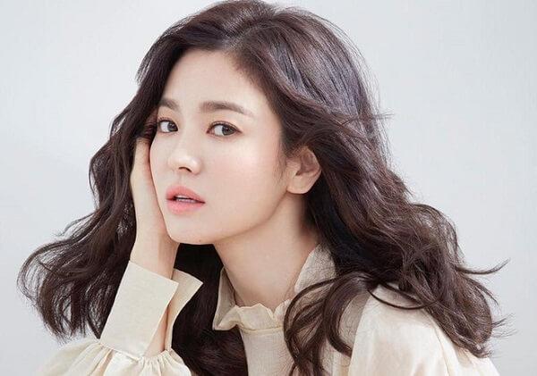 Ngắm ảnh môi đẹp của Song Hye Kyo liệu bạn có biết cô ấy đã gần 40
