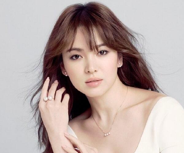 Ngắm ảnh môi đẹp của Song Hye Kyo liệu bạn có biết cô ấy đã gần 40 - Ảnh 1