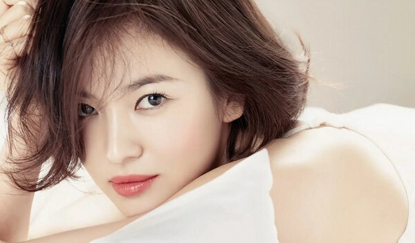Ngắm ảnh môi đẹp của Song Hye Kyo liệu bạn có biết cô ấy đã gần 40 - Ảnh 2
