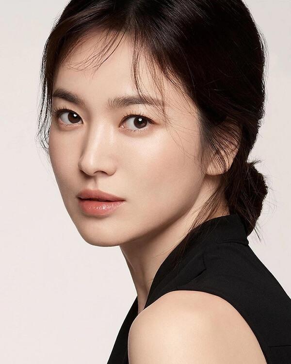Ngắm ảnh môi đẹp của Song Hye Kyo liệu bạn có biết cô ấy đã gần 40 - Ảnh 3