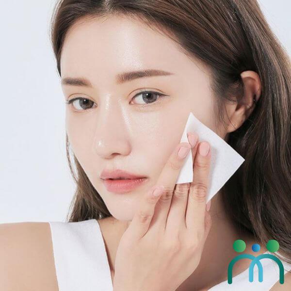 Nguyên nhân dẫn đến tình trạng da dầu là do da bị mất đi sự cân bằng độ ẩm
