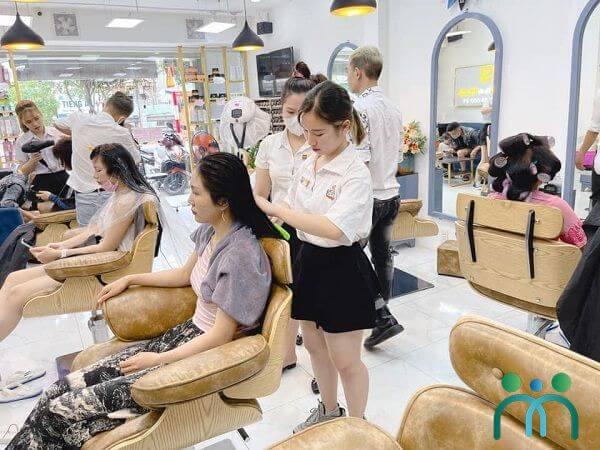 Salon tóc Sĩ Dĩ An