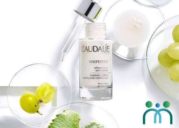 Serum Caudalie Vinoperfect Radiance là mỹ phẩm đáng mua khi đi du lịch Pháp