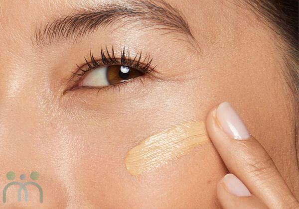 Kem Neutrogena Healthy Skin Liquid Makeup có texture mỏng nhẹ
