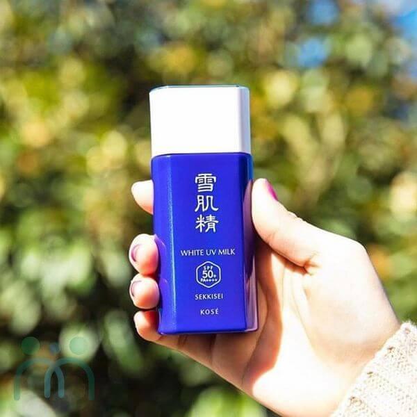 Kem chống nắng dạng sữa Kose Sekkisei White UV Milk